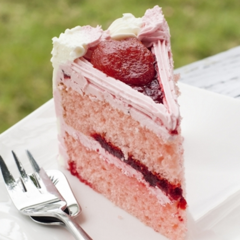 Images Of Strawberry Layer Cake : STRAWBERRY DOUBLE LAYER CAKE Gardengal Bevy
