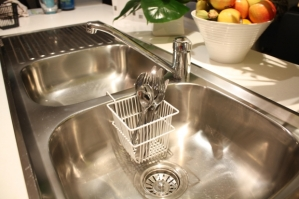 stainless sink shine