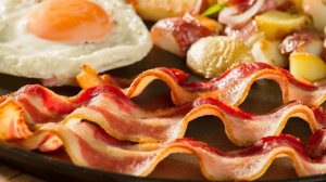 bacon-on-skillet-768x432-web