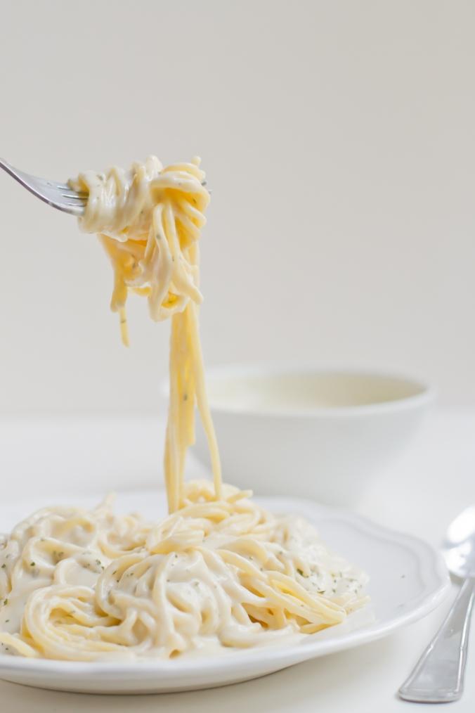 Vegan-Pasta-Alfredo-minimaleats.com-vegan-pasta-alfredo-gf.jpg